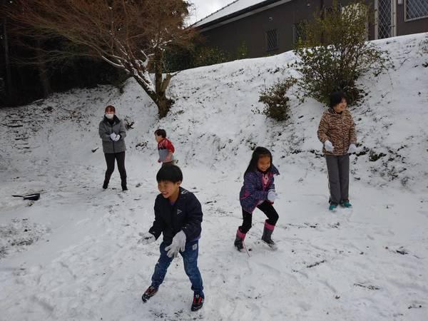 雪合戦だあ~キタ━(゚∀゚)━!!!!!!!